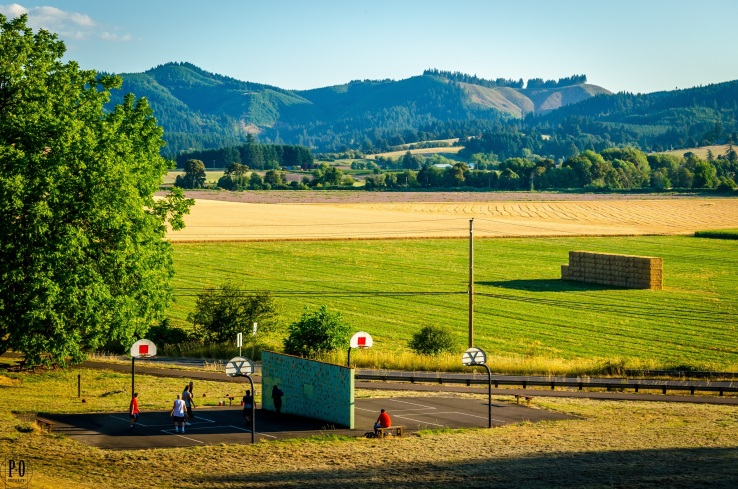 photo of rural outdoor basketball court in Forest Grove oregon