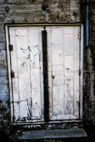 photo old back doors The Dalles Oregon