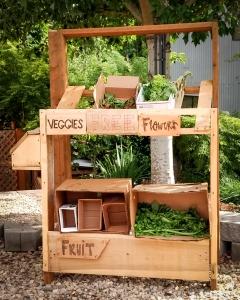 Free community vegetable stand Beaverton Oregon COVID-19 lockdown